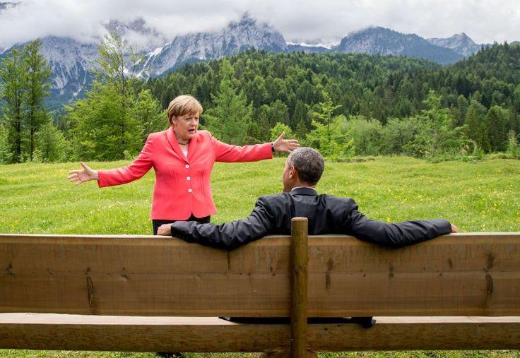 Kanzlerin Merkel mit US-Präsident Obama in Elmau: Offene Arme