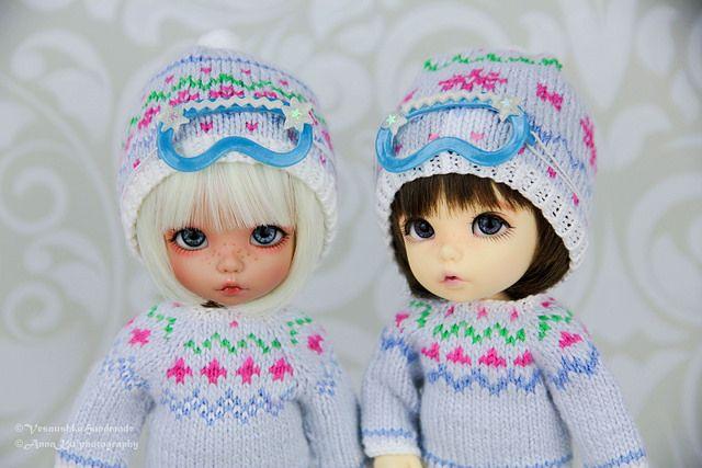 Winter sweaters & ski masks for pukifee