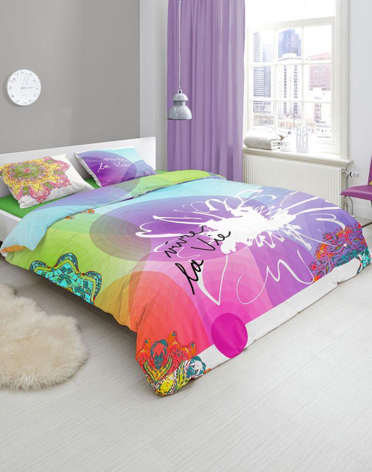 HIP is een merk dekbedovertrekken dat staat voor kleurrijke, moderne en vernieuwende dekbedovertrekken. Dekbedovertrekken van het merk HIP fleuren je slaapkamer op!