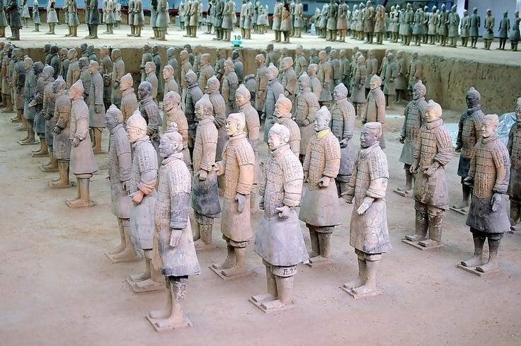 Ejército de terracota del emperador Qin Shihuang, China.