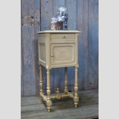 A French marble-top bedroom washstand