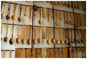 In Campulung Moldovenesc, besides the Art of Wood Museum, one can also visit the The Wood Spoons Museum, wich I dis for the first tim...