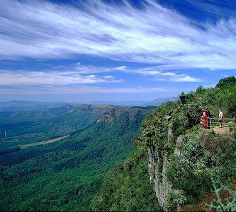 God's Window, a highlight of Mpumalanga's scenic Panorama Route, extends from the rugged mountain range of the northern Drakensberg all the way to the Kruger National Park.