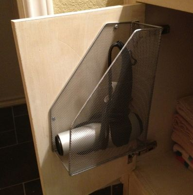 Clever hair dryer holder