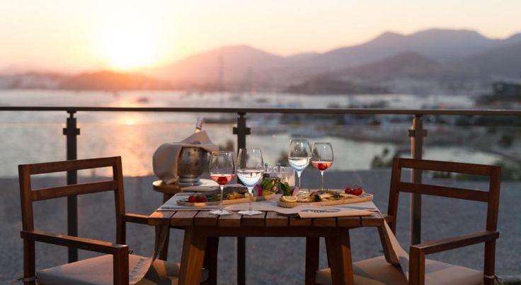 Enjoy with friends sipping drinks while looking out at the beautiful Bodrum sunset. Arkadaşlarınızla içeceklerinizi yudumlamanın keyfini Bodrum günbatımını izleyerek yaşayın. http://www.lekahotels.com/ #LekaHotelBodrum #bodrum #turkey #sunset #drink #chill #holiday #seaside #denizkenarı #deniz #sea #photo #travel #traveller #vacation #hotel #içmeler #muğla #mugla #türkiye