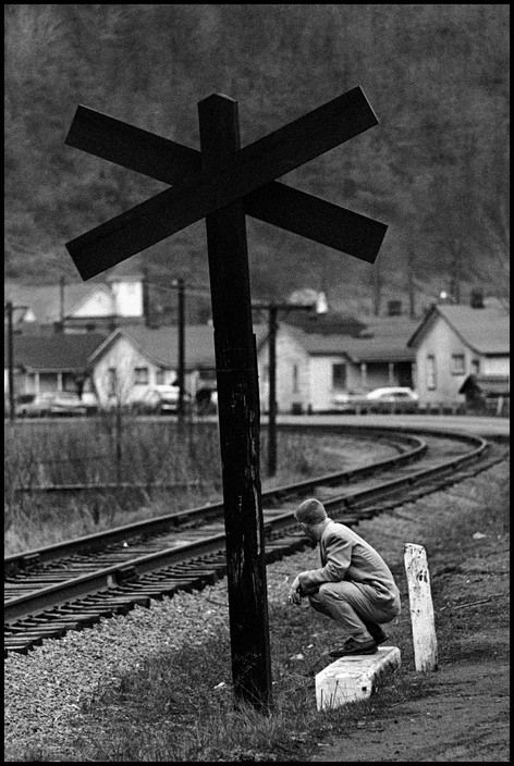 Constantine Manos - USA. Beckley, West Virginia. 1961.