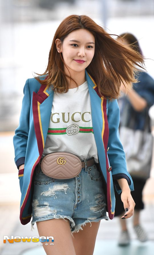 SNSD SooYoung is off to Florence, Italy!