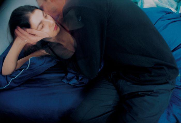 Elinor Carucci, Eran kisses me goodnight, 2000