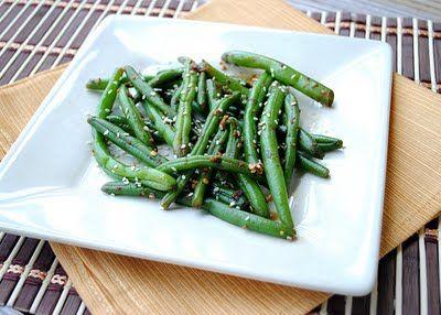 green beans with lemon-mustard viaigrette (49.5 cal, 2.2g fat, 5 g carbs, 1 g protein)