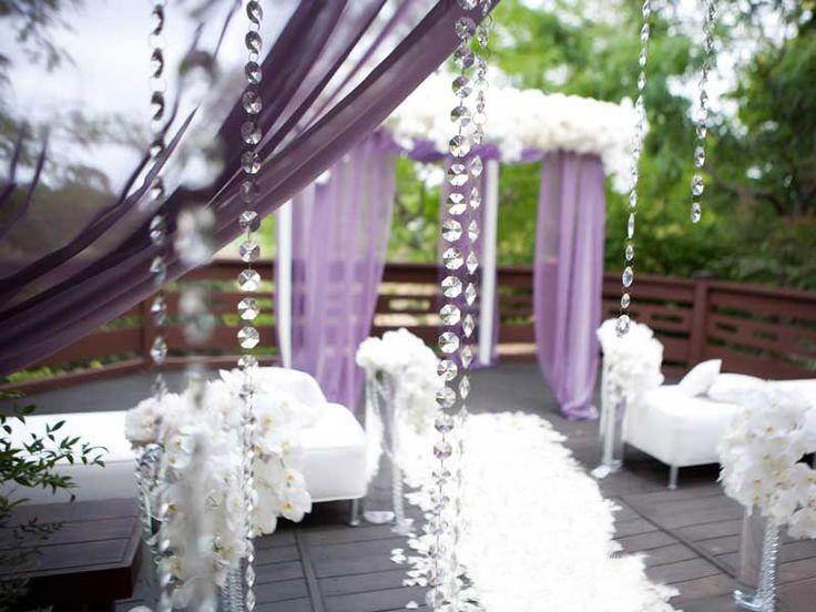 #Vetrocristallo è al servizio di #weddingplanner e allestitori con catene di #cristalli e tanti altri articoli per realizzare brillanti composizioni decorative. Scopri tutti i nostri prodotti >> www.vetrocristallo.it  #weddingplanner #wedding #matrimonio #allestimenti #ideepermatrimoni #cristalli #decorazioni