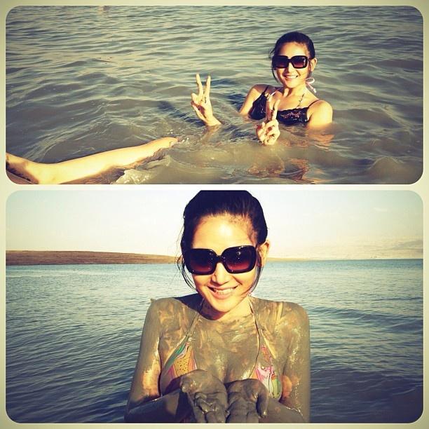44 best images about Maria Selena on Pinterest   Kebaya ...