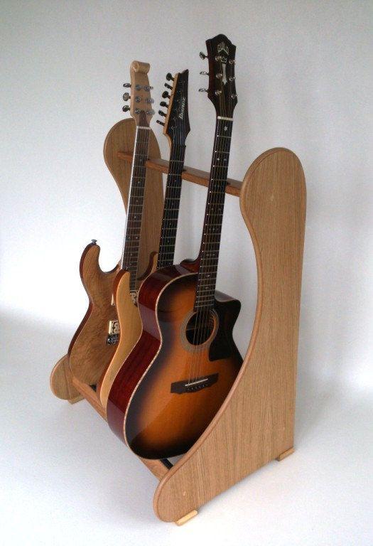 Beautiful Light Oak Wood Guitar Stand Rack for 3 por StandMade