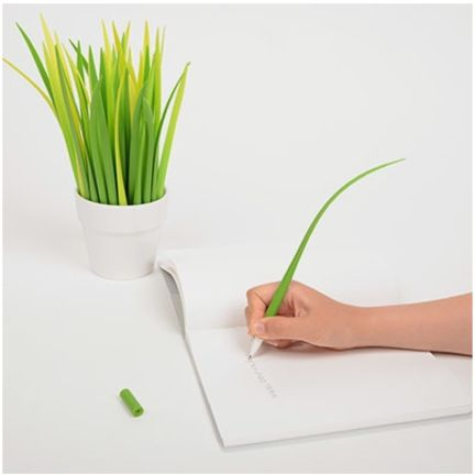 The Grass Pen is a beautiful and unique pen! Each purchase comes with 1 pen. The Grass Pen is a 0.5mm black pen. You can also create your own grass garden with this unique pen! This is the perfect combination between aesthetics and functionality! This Grass Pen will be a great addition to any desks, workspace or reception table! This pen will add some green in your office space while being a functional pen! Collect them all and create your own grass garden!