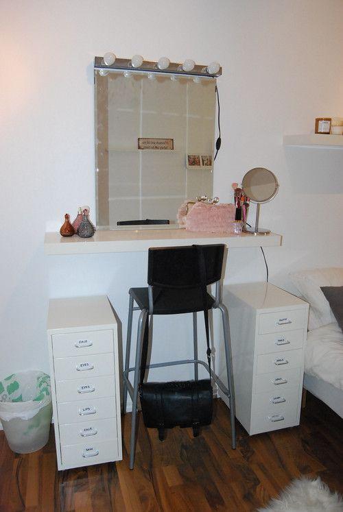 Sminkbord med allt från Ikea: Helmer hurtsar, Kolja spegel, Musik lampramp och Lack hylla överst.