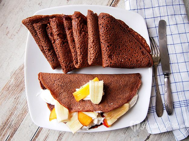 hot chocolate pancakes / crepes de chocolate caliente