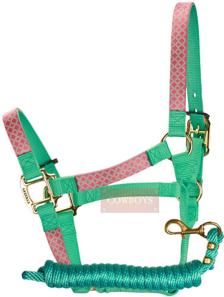 Cabresto e Cabo de Nylon Weaver Personalizado   Conjunto com cabo e cabresto feito de nylon nas cores verde água e com detalhes em rosa. Importado da marca Weaver, possui alta resistência e durabilidade. Ideal para amantes do estilo country e de cavalos.