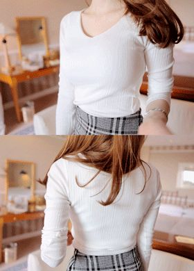 Low V Neck Long Sleeve Shirt  SFSELFAA0011572