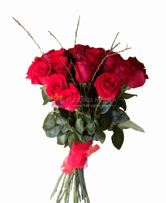 buchete trandafiri rosii red roses bouquet for valentine's day