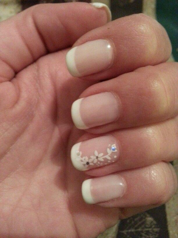 French manicure elegant