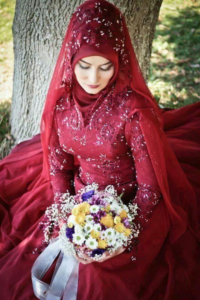 Muslimah bride, Muslimah  Hijab fashion http://www.noellesnakedtruth.com/