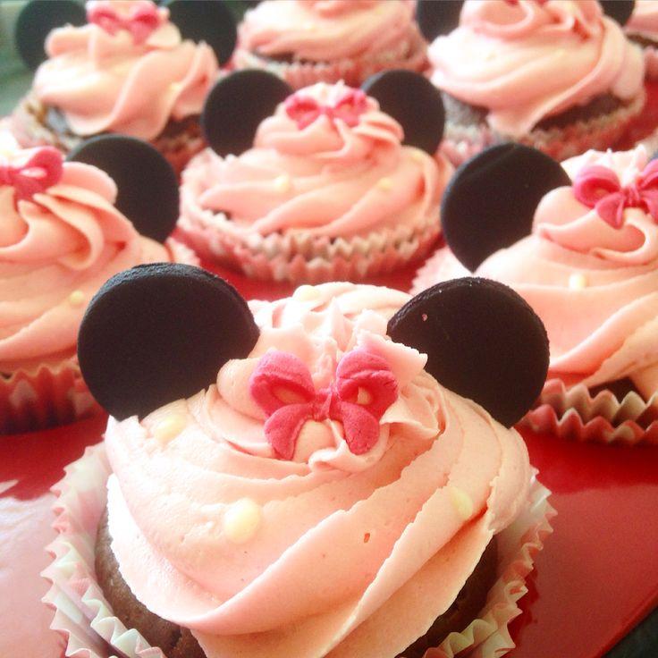 Minnie Mouse Cupcakes Fondant Cupcakes  Buttercreamcupcakes