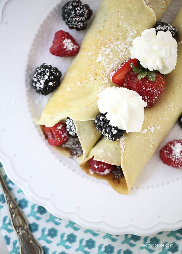The perfect crepe recipe on iheartnaptime.net -light, easy to make and completely delicious!