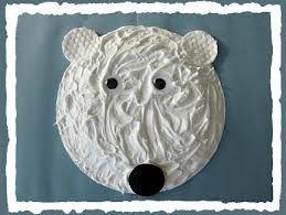 Ijsbeer van wegwerp bord
