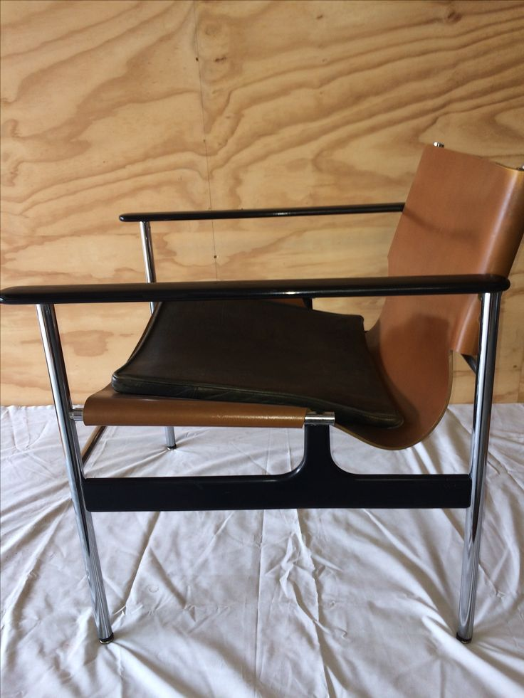 For SALE KNOLL Charles Pollock lounge chairs 657 by Designmannetje
