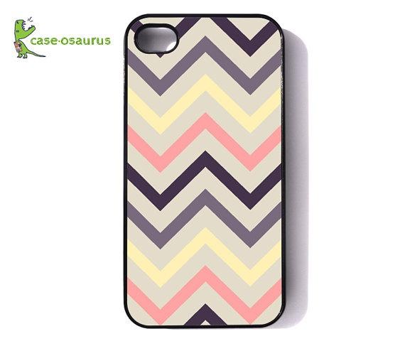 I reallyyy need this phone case! Chevron=love.