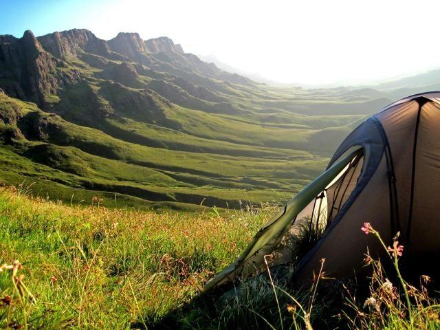 Co zabrać ze sobą pod namiot?  Praktyczne wskazówki. #namiot #tent #camping #spaniepodnamiotem #nocowaniewnamiocie