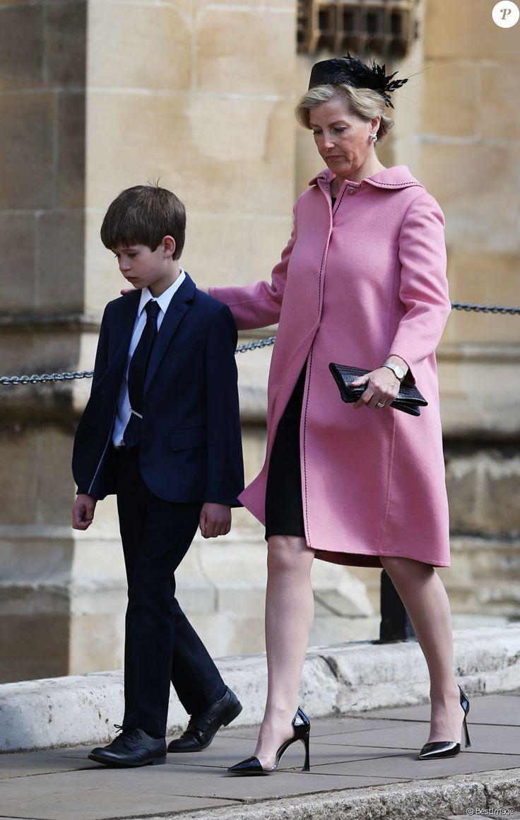La comtesse Sophie de Wessex avec son fils James, vicomte Severn - La famille royale britannique assiste à la messe de Pâques à la chapelle Saint-Georges de Windsor, le 16 avril 2017