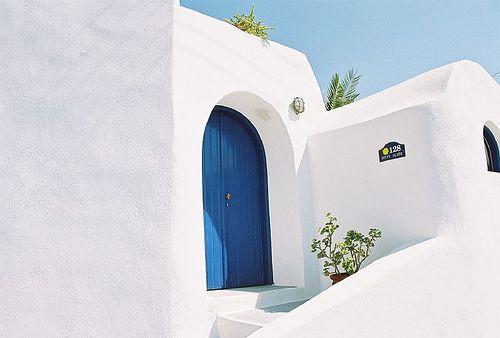 "Top 5 ""Weird"" Tips For a Cheap Trip to Santorini | Greece.GreekReporter.com Latest News from Greece"