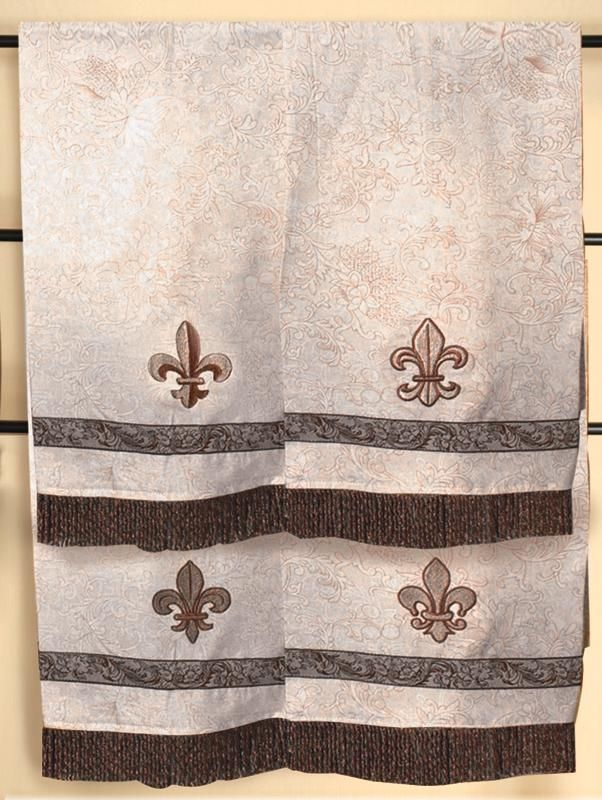 Fleur de lis decorative bath towels fleur de bienvenue for Decorative bath towels