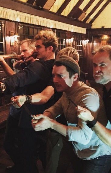 Viggo Mortenson, Orlando Bloom, Dominic Monaghan, Elijah Wood & Billy Boyd reunited around the time of the 15year anniversary of The Lord of the Rings: The Fellowship of the Ring.