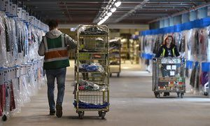 Zero-hours workers '£1,000 worse off a year' than employees - The Guardian (30 December 2016).