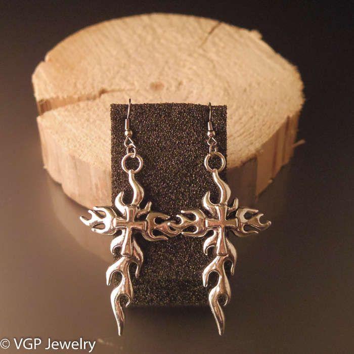Stoere Kruis Oorbellen: zilver