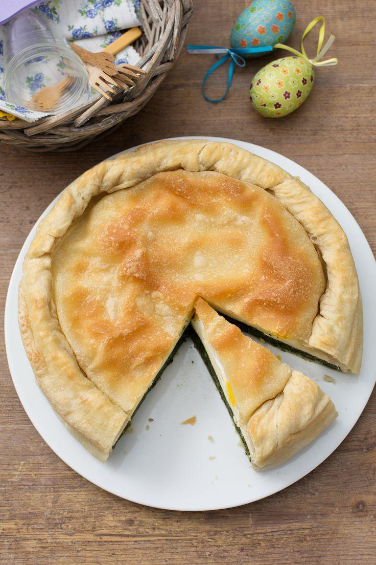 Torta Pasqualina: ricca e gustosa. Perfetta per il picnic di Pasquetta.  [Spinach and eggs quiche]