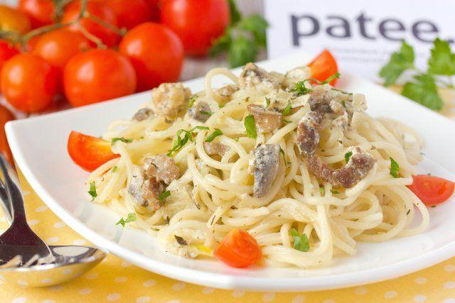 Спагетти с говядиной и шампиньонами