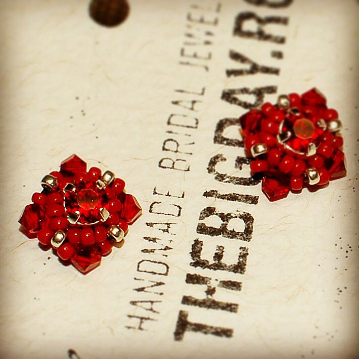 Handmade swarovski earrings http://thebigday.ro/