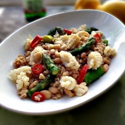 Fresh and light farro salad with squid, asparagus and white beans ...