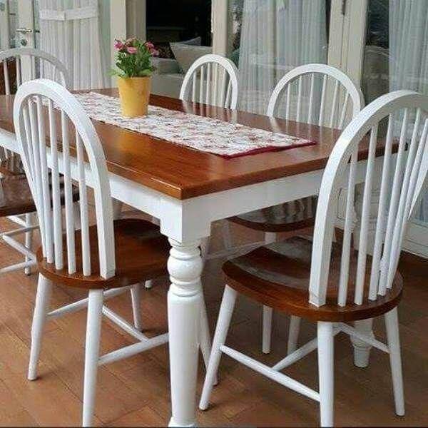 Set Meja Makan Jari-Jari Kombinasi C-2RV terbuat dari kayu jati terbaik uang memiliki desain menarik cocok sebagai pelengkap ruang makan anda.
