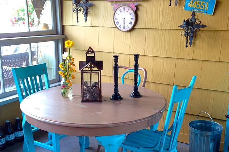 Turquois Table And Chairs