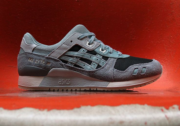 ASICS GEL-Lyte III Blue Surf Available Now #thatdope #sneakers #luxury #dope #fashion #trending