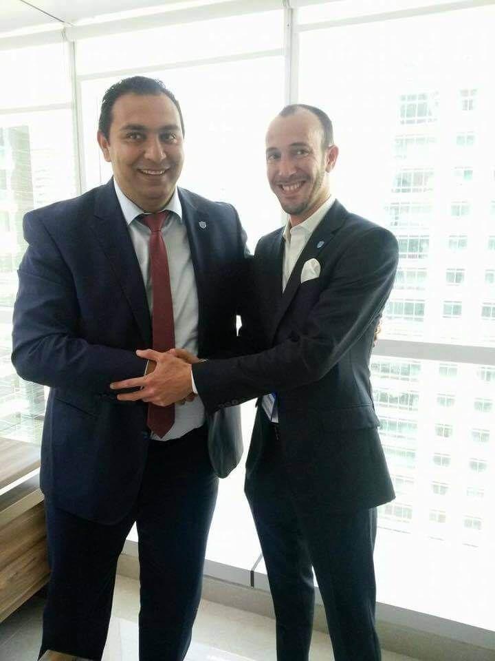 W Dubaju odbyło się spotkanie liderów Beonpush Spotkanie miało kameralny przebieg, choć Ferki Demirovski gościł liderów z całego świata,  Mamy też kilka świeżych informacji:  Beonpush ma wieloletnie kontrakty z takimi firmami jak Tradedoubler, Lufthansa, Agrar Industry - ponieważ nie uczestniczyłem w spotkaniu nie mam możliwości 100% potwierdzenia tego faktu, alechyba coś jest na rzeczy :) spodziewamy się aplikacji na