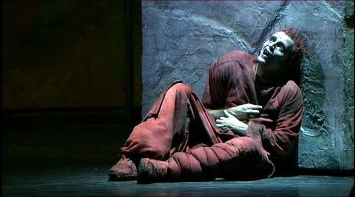 Giò Di Tonno as Quasimodo, italian version of Notre Dame De Paris