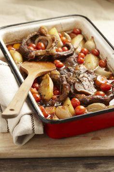 15 x Eenpotgeregte Dis die lekkerste manier van kook. Gooi alles saam - vleis, groente, kruie - en proe hoe goed pas al die geure in net een pot.