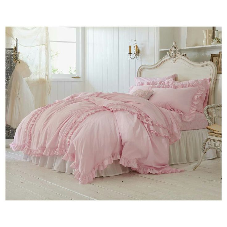 17 best ideas about simply shabby chic on pinterest for Shabby chic bedspreads comforters