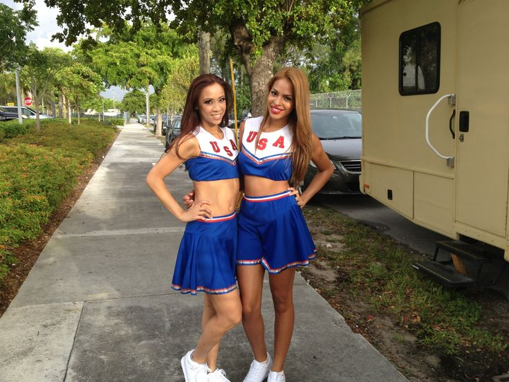 Cheerleaders for Timati ft FloRida video