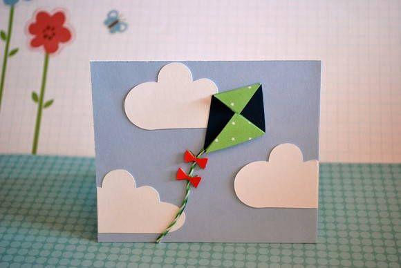 Convite feito artesanalmente com material de scrapbook.  Parte do texto impresso a laser.  Está incluso o envelope na cor azul ou verde.