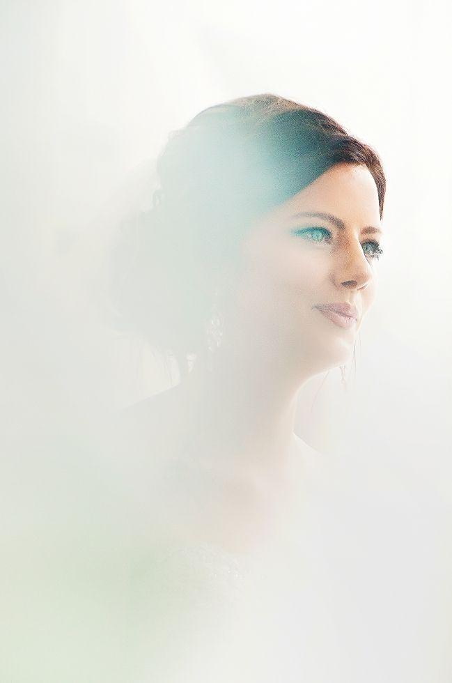 Artistic Bridal Portrait - Melissa Avey Photography - Art Gallery of Hamilton Wedding
